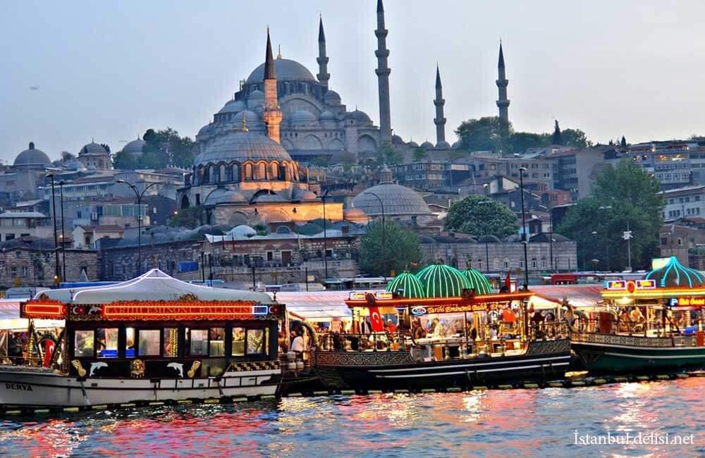 İstanbul Eminönü'nde Balık Ekmek Nerede Yenir?